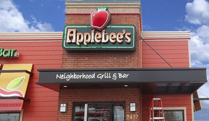 applebees-new-canopy-awning-sign