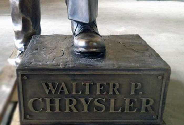 chrysler-statue-base